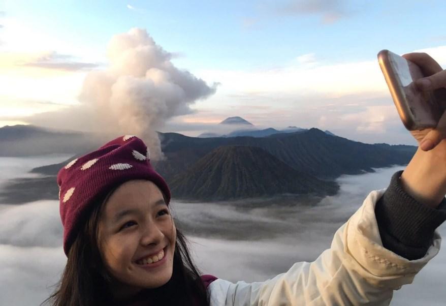 Tips Liburan Aman Untuk Pendakian ke Area Kawah Gunung Bromo