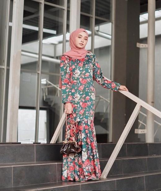 Busana Muslim Lebaran Gamis Muslimah Motif Rok Duyung Hijau