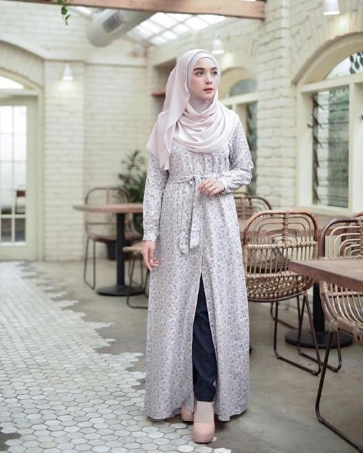 Model Baju Gamis Busana Muslim Lebaran Modern Terbaru Motif Soft Grey