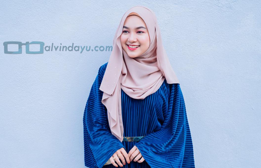 6 Tips Memilih Warna Hijab Bagi Wajah Bulat Agar Terlihat Cerah
