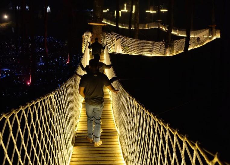 Sky Bridge, Jembatan Gantung di Orchid Forest Lembang