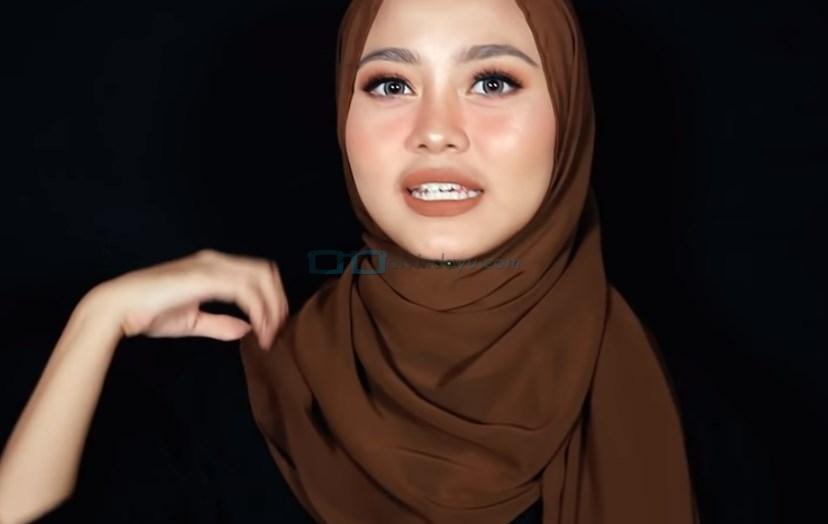 Tutorial Hijab Pashmina Diamond Syari Menutup Dada, Rapikan Hijab Pashmina