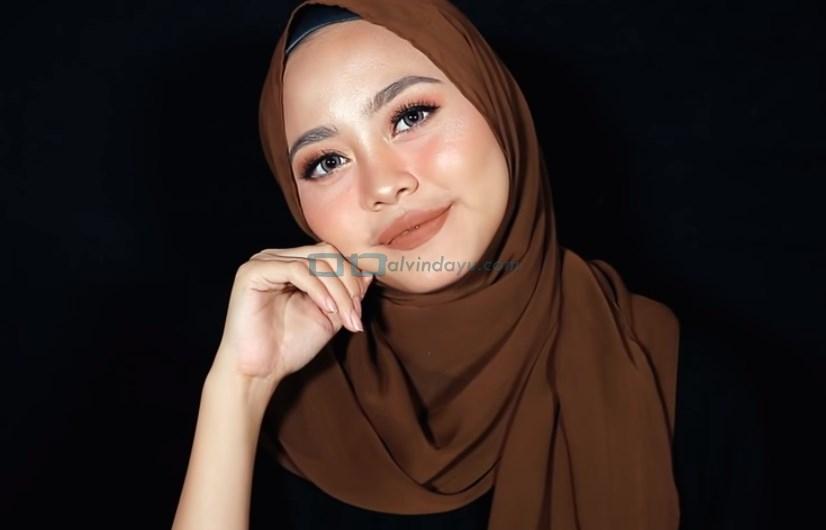 Tutorial Hijab Pashmina Diamond Syari Menutup Dada SELESAI