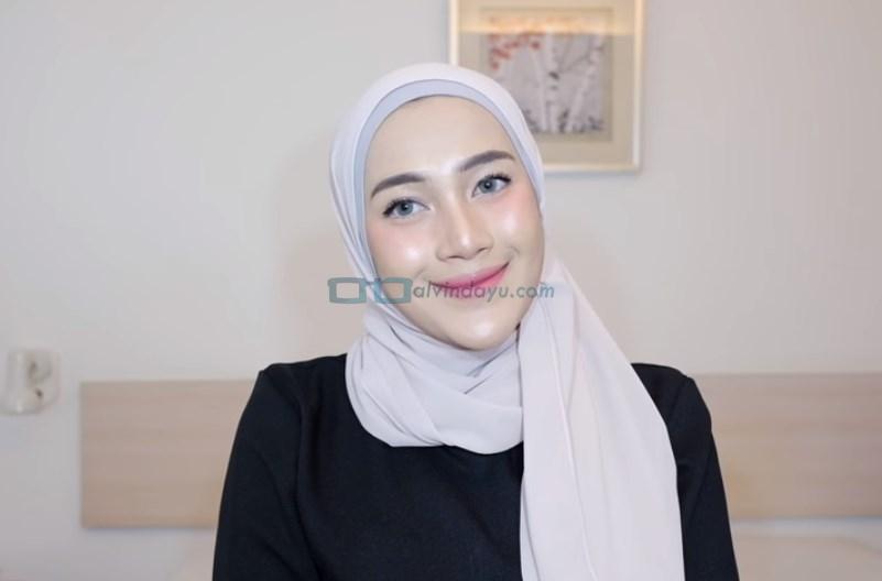 Tutorial Hijab Pashmina Simple Ala Selebgram SELESAI