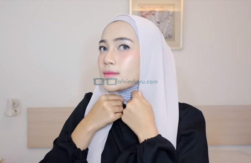 Tutorial Hijab Pashmina Simple Ala Selebgram, Sesuaikan Hijab dengan Bentuk Wajah