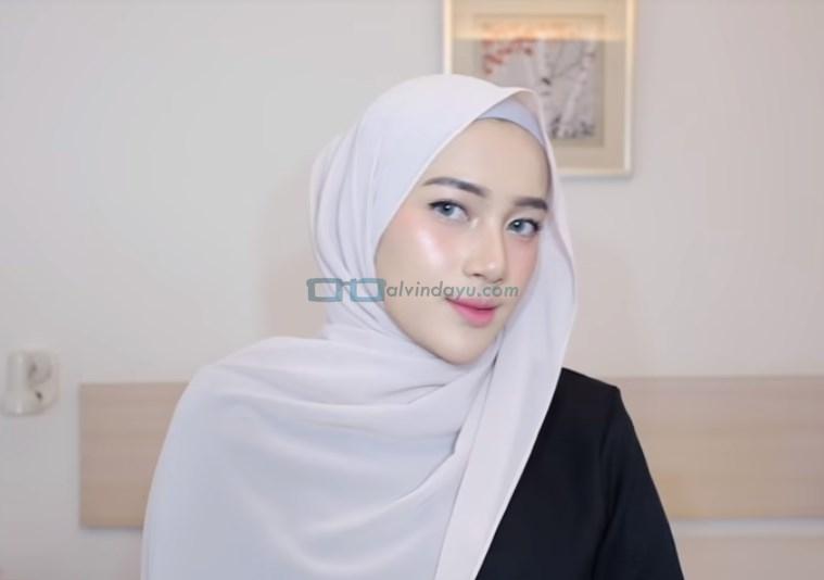 Tutorial Hijab Pashmina Simple Pesta, Rapikan Hijab Pashmina