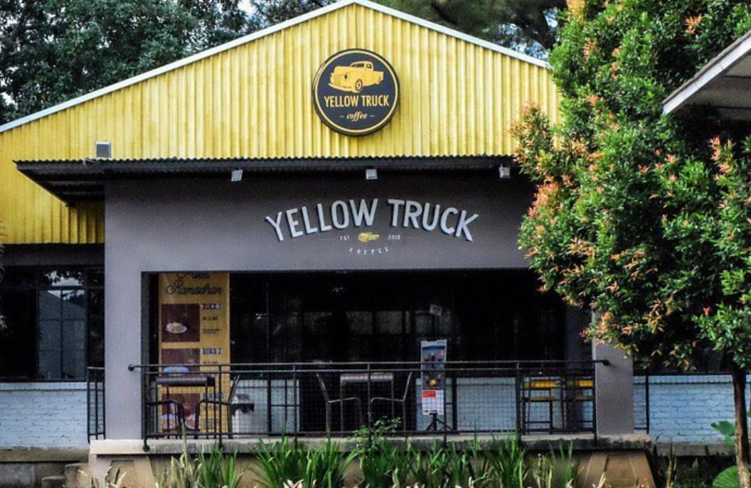 Tempat Nongkrong di Bogor Murah Meriah Yellow Trux